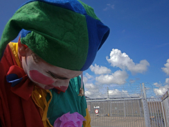 Brig Clowns at the Zaandam Detention Centre. Photo: Karen Eliot