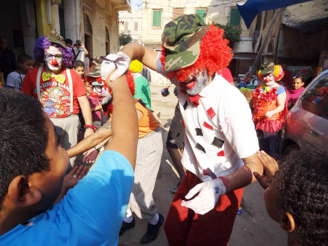 Egyptian Rebel Clown practice on the streets in the neighbourhood Kom ElDeka in Alexandria - November 2012 - Photo: Hans and Maro
